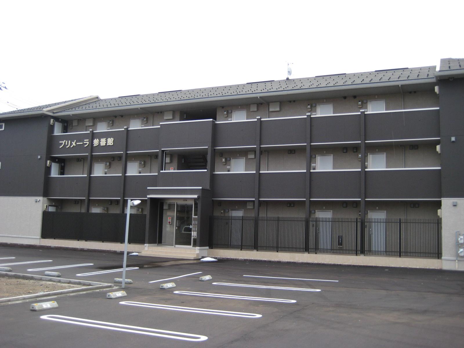 小松駅から徒歩10分!