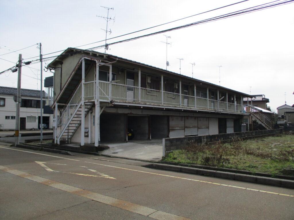 小松駅から徒歩12分